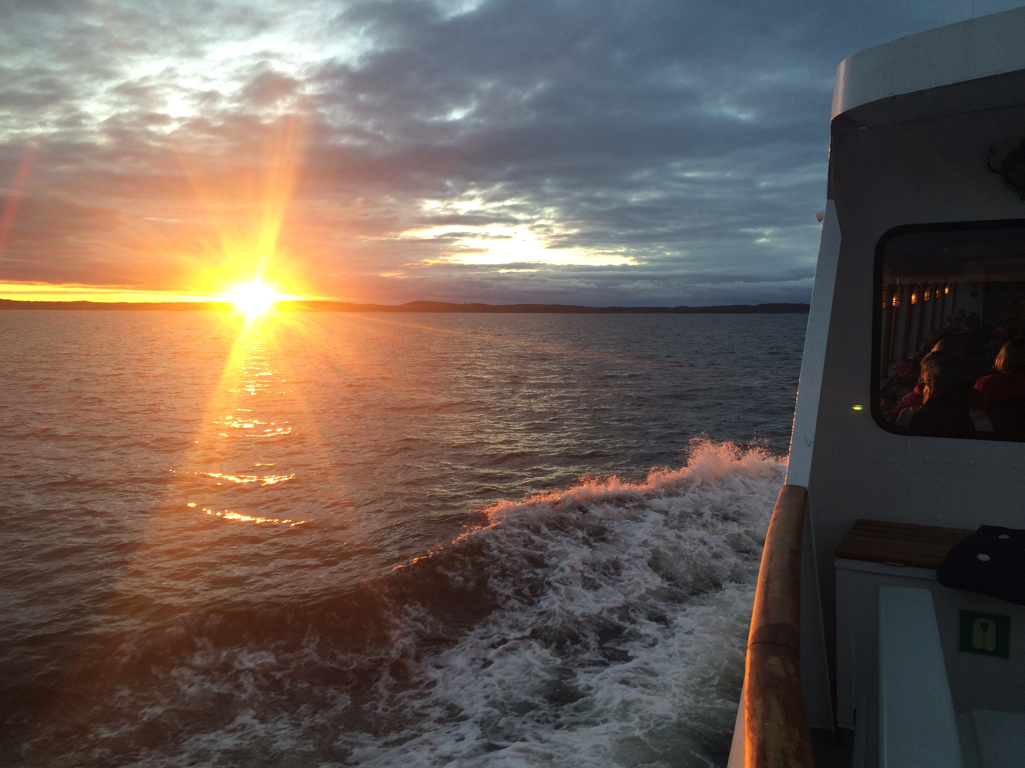 Travelling at sunset back through the archipelago