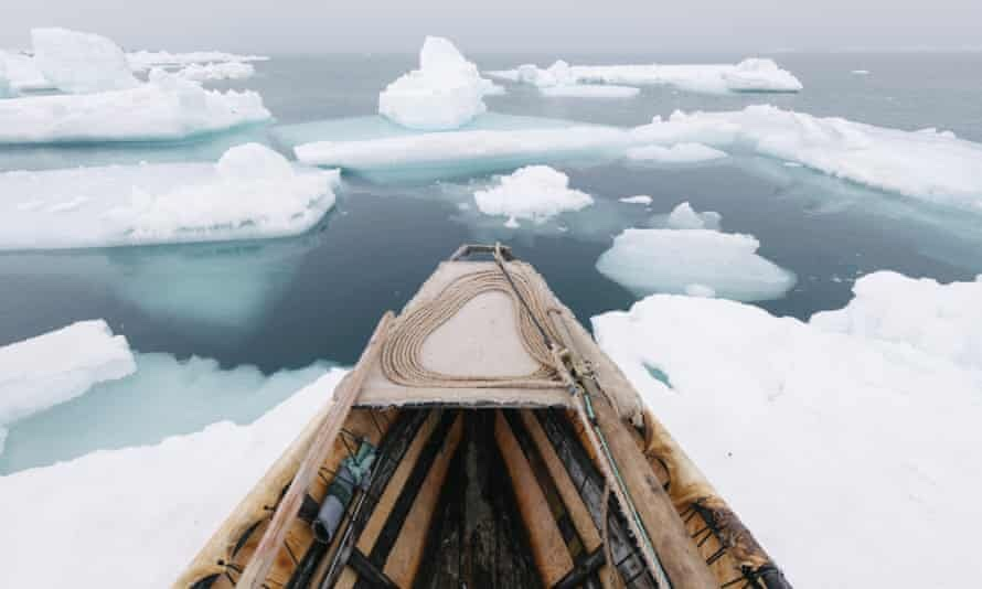 'Umiaq and north wind during spring whaling' by Kiliii Yuyan