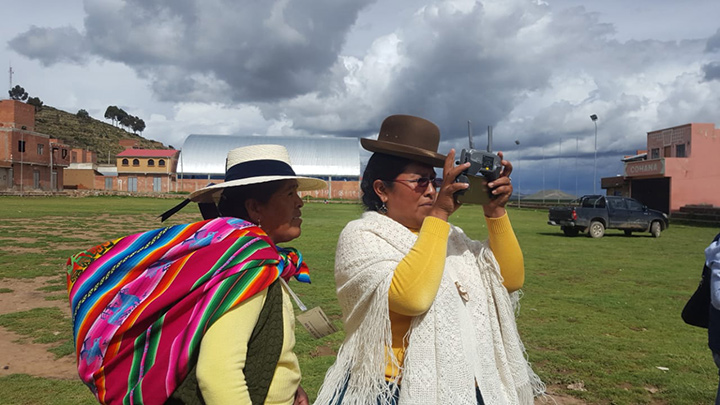 The women cleaning up Lake Titicaca's waters