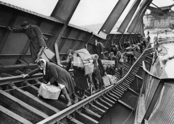 German civilians on their way to becoming refugees
